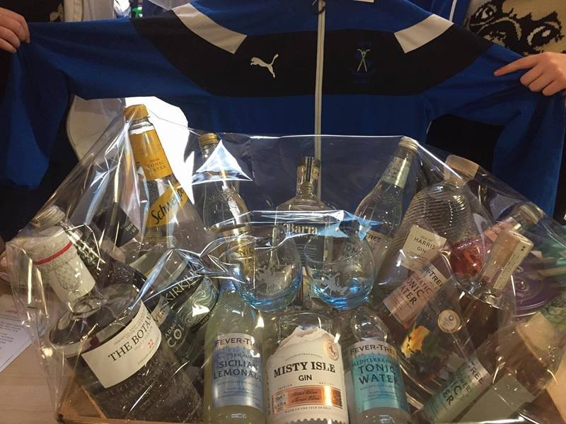 Skye Camanachd Ladies are selling raffle tickets for a fantastic Gin Hamper which consists of 'Misty Isle, Harris, Barra, Colonsay, Islay and Orkney Gins, a selection of mixers and 2 Skye Camanachd glasses. Only £1 per ticket!!! The draw takes place on 30 December 2017 and tickets can be bought from any of the Skye Ladies.